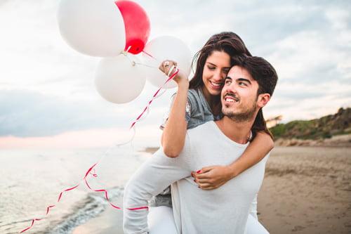 pareja feliz dependencia emocional